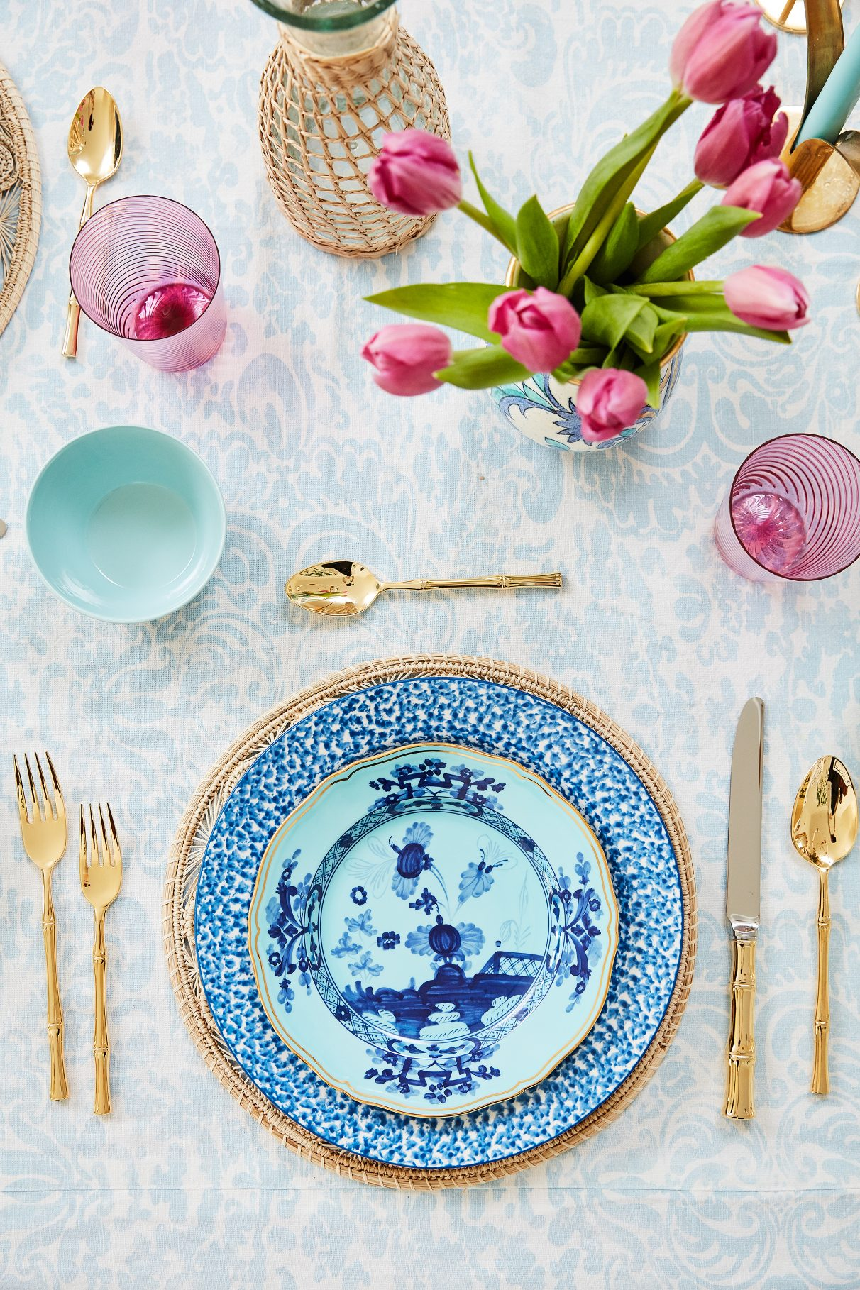 Lagniappe Project: Flowers and table setting